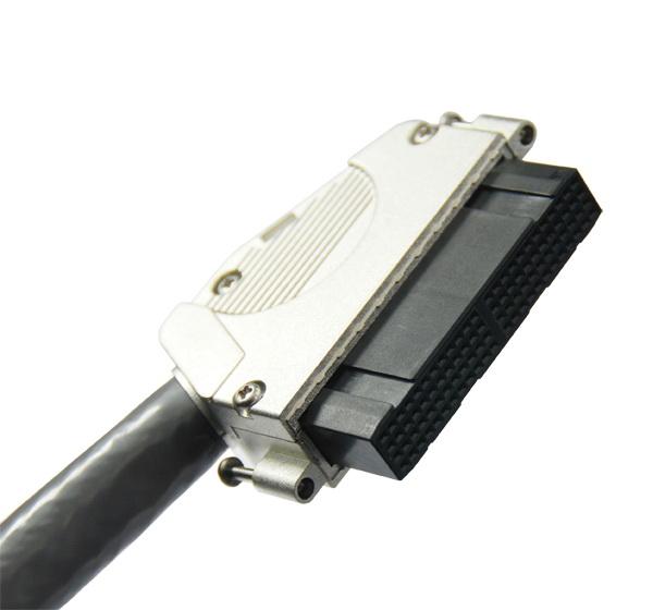 1811 4X24 IDC 线缆连接器